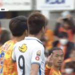 角田が鹿島FW鈴木優磨に中指を立てる!